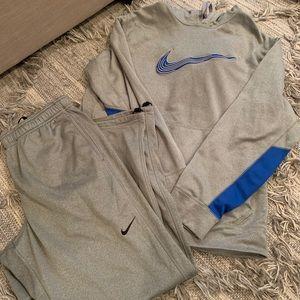 Men's Nike sweat pants and hoodie XL